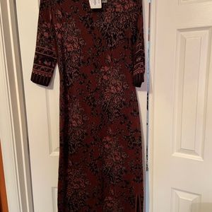 Brand new 3/4 length PC sleeve dress Gorgeous